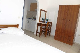 accommodation naxos studios pyrgaki big room