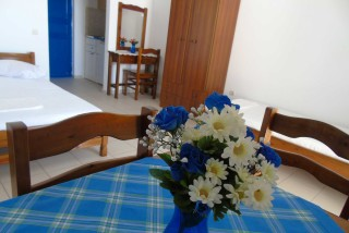 accommodation naxos studios pyrgaki room