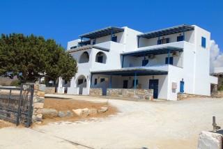facilities naxos studios pyrgaki garden